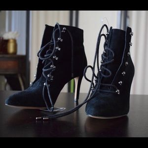 NWT:  Vince Camuto black lace up boots